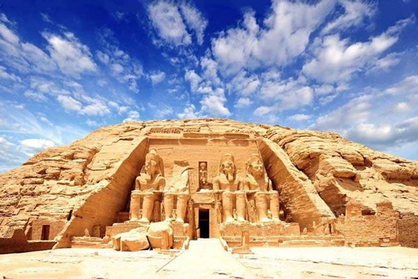 aswan-governorate-den-abu-simbel-aivivu